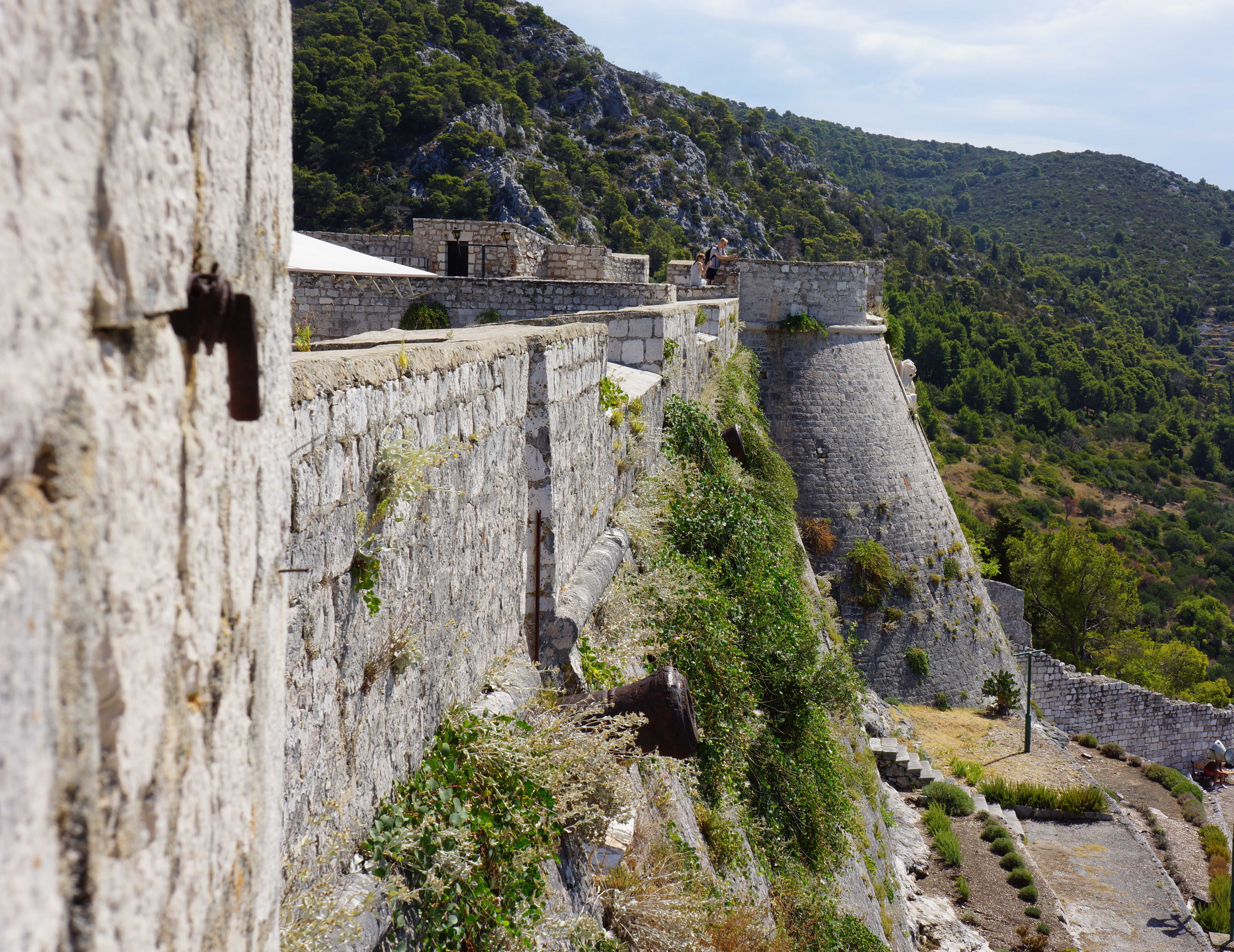 """The television show """"Game of Thrones"""" is filmed in Croatia and that the city of Dubrovnik is one of the most important locations."""