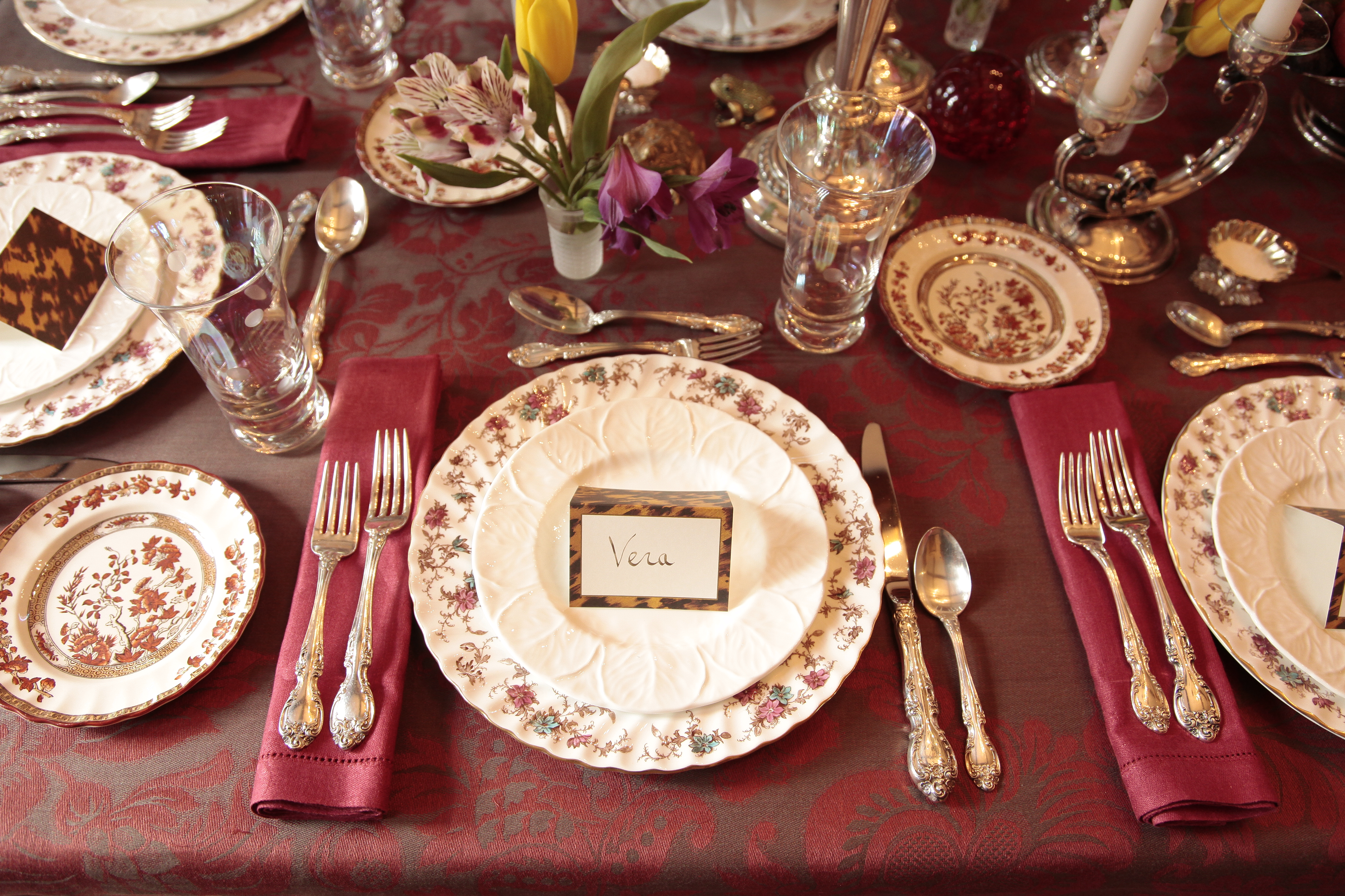 For Thanksgiving, I wanted an elegant, somewhat formal table setting.
