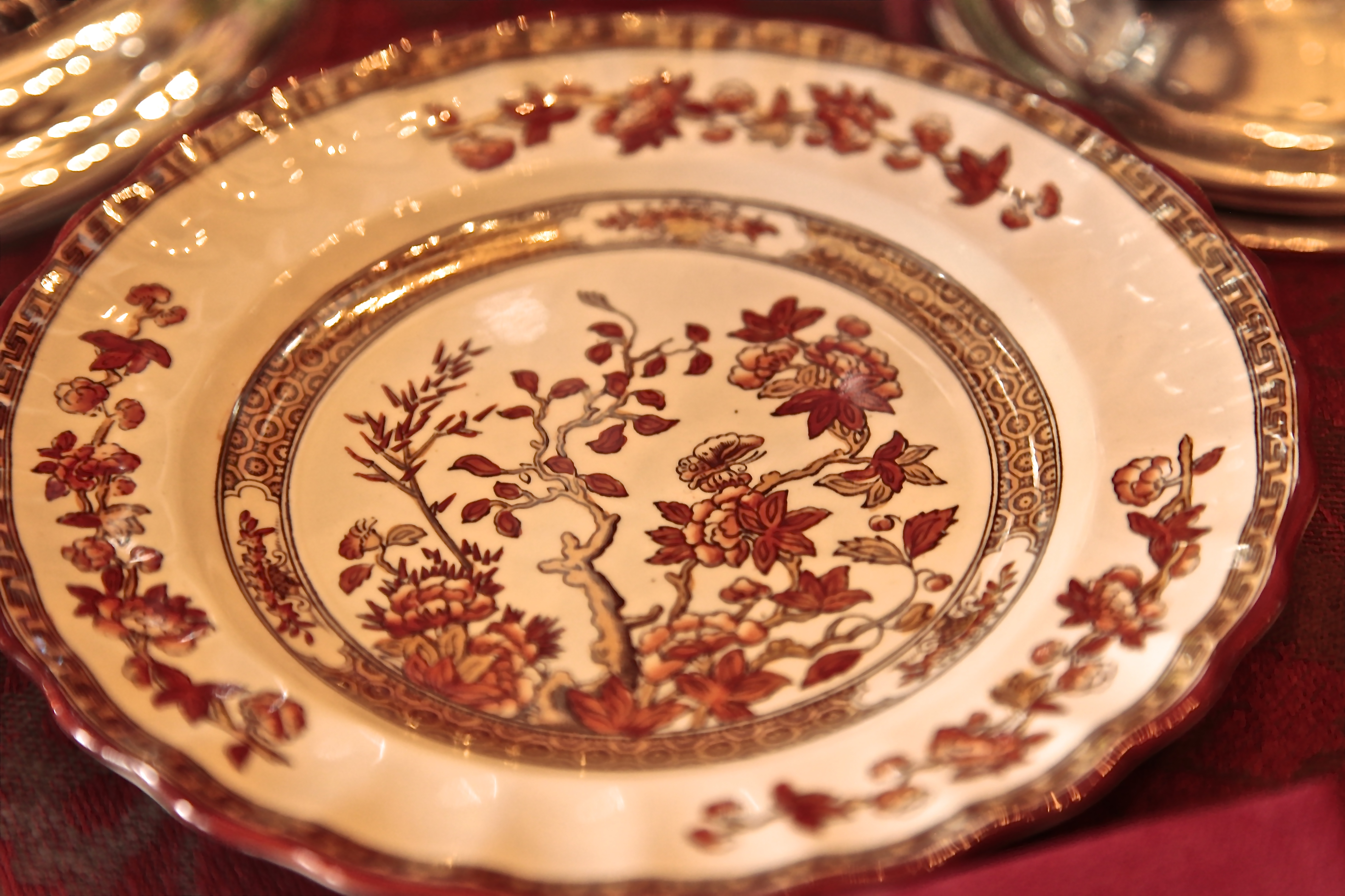 Even though I wanted it elegant, mixing different patterns of china made it more playful, visually exciting and expressed my unique style and showed off some favorite treasures, family heirlooms and flea market finds.